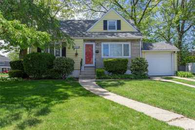 Bellmore Single Family Home For Sale: 2050 Freeman Ave