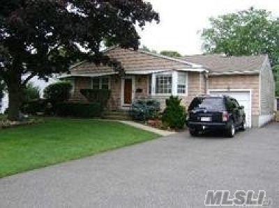 Islip Terrace Single Family Home For Sale: 180 Irish Ln