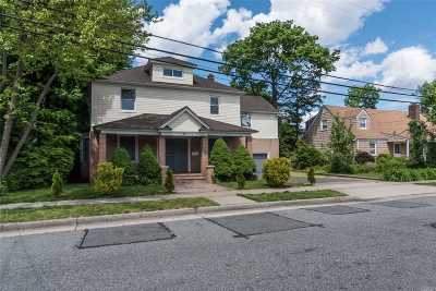 Hempstead Single Family Home For Sale: 27 Glenmore Ave