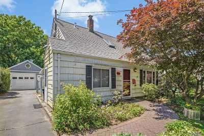 Roslyn Single Family Home For Sale: 18 Harvard St