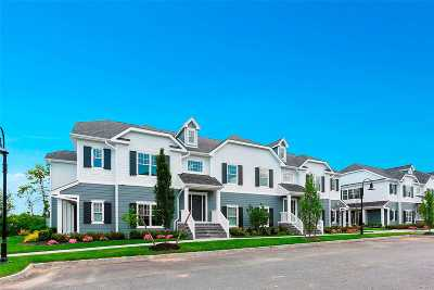 Southampton Condo/Townhouse For Sale: 6 Village Green Dr