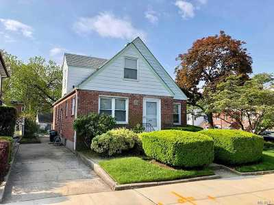 Queens County Single Family Home For Sale: 255-04 85 Ave