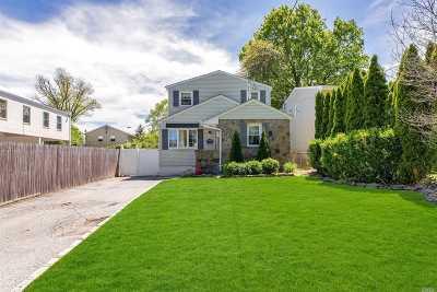 Glen Head Single Family Home For Sale: 3 Linden Pl