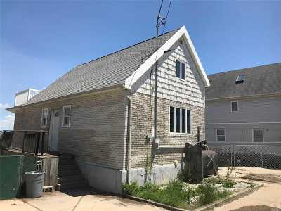 Queens County, Nassau County Single Family Home For Sale: 20-12 Demerest Rd