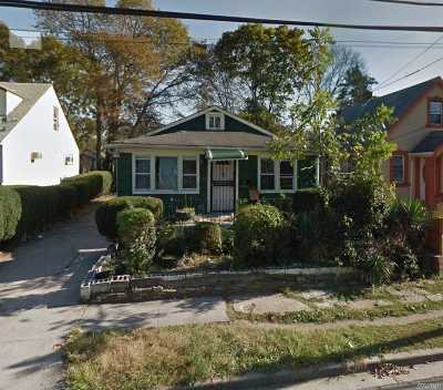 Queens County, Nassau County Single Family Home For Sale: 76 E Pennywood Ave