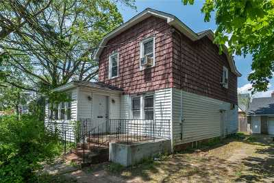 Nassau County Single Family Home For Sale: 17 Madison Ave
