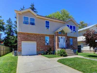 Hempstead Single Family Home For Sale: 37 Mason St