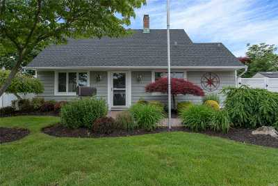 Nassau County Single Family Home For Sale: 21 Plow Ln