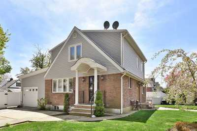 Queens County Single Family Home For Sale: 267-18 77th Ave