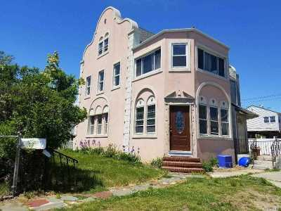 Long Beach Multi Family Home For Sale: 161 E Hudson St