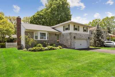 Nassau County Single Family Home For Sale: 8 Fair Ct