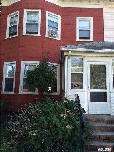 Far Rockaway Single Family Home For Sale: 1413 Minton St