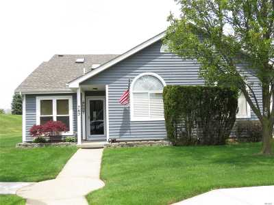 Middle Island Condo/Townhouse For Sale: 743 Spring Lake Dr