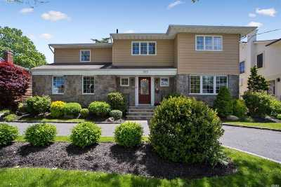 Woodmere Single Family Home For Sale: 1013 S End