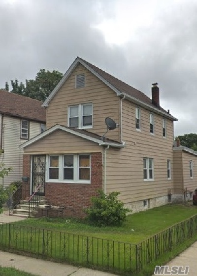 Queens County Single Family Home For Sale: 22102 114th Ave
