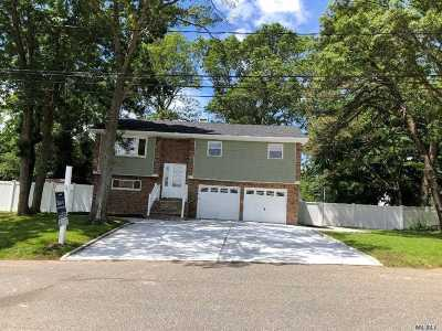 Wheatley Heights Single Family Home For Sale: 26 Johnson Ave