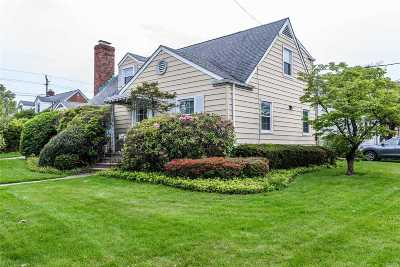 Woodmere Single Family Home For Sale: 309 Felter Ave