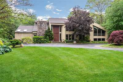 Oyster Bay Cove Single Family Home For Sale: 6 Bridle Ct