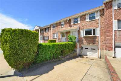 Douglaston Single Family Home For Sale: 240-09 65 Ave
