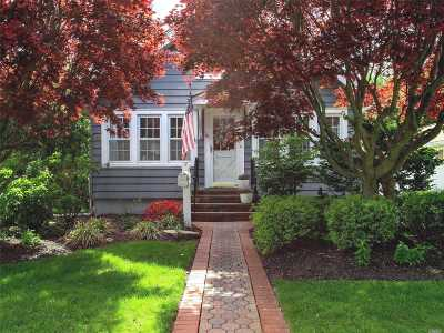 East Islip Single Family Home For Sale: 24 Somerset Ave