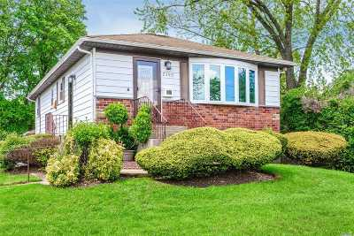 Seaford Single Family Home For Sale: 2390 Jackson Ave
