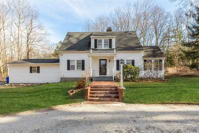 Setauket Single Family Home For Sale: 165 Quaker Path