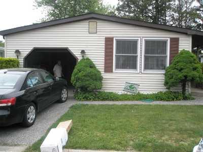 Suffolk County Condo/Townhouse For Sale: 18 Village Circle E
