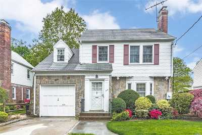 Rockville Centre Single Family Home For Sale: 104 Muirfield Rd