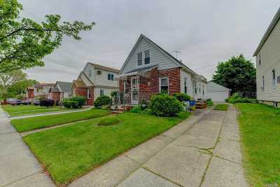 Fresh Meadows Single Family Home For Sale: 48-66 188 St