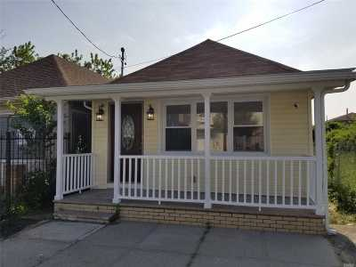 Single Family Home For Sale: 441 Beach 45th St