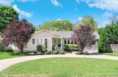 Bellport Single Family Home For Sale: 79 Head Of The Neck Rd