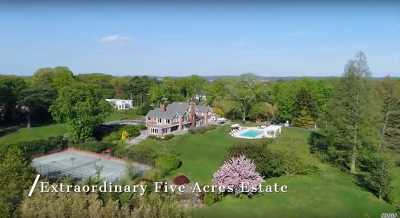 Great Neck Single Family Home For Sale: 198 Kings Point Rd