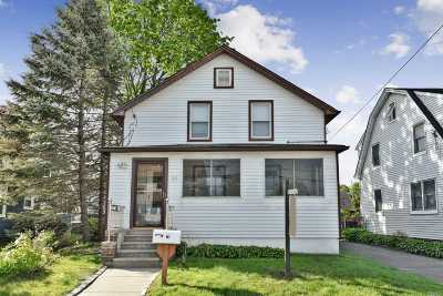 Hicksville Single Family Home For Sale: 67 Notre Dame Ave