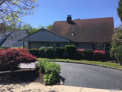 Levittown Single Family Home For Sale: 90 Meridian Rd