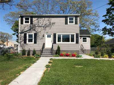Copiague Single Family Home For Sale: 650 Catskill Ave
