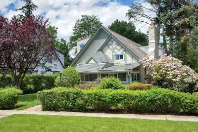 Great Neck Single Family Home For Sale: 21 Broadway