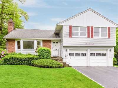 Manhasset Single Family Home For Sale: 146 Bay Driveway