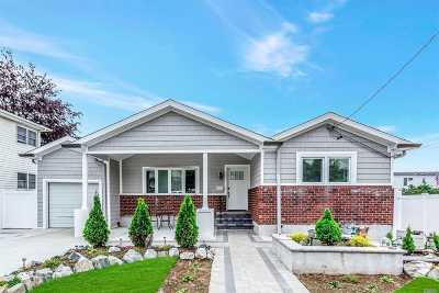 Franklin Square Single Family Home For Sale: 903 Stewart Pl