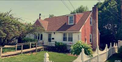 Uniondale Single Family Home For Sale: 237 New York Ave