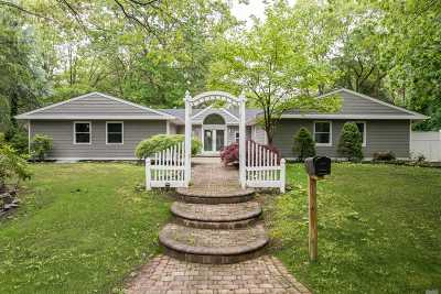 Stony Brook Single Family Home For Sale: 64 Sycamore Cir