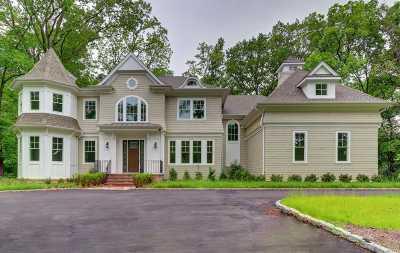 Lloyd Harbor Single Family Home For Sale: 12 E Huxley Dr