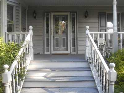 Shoreham Single Family Home For Sale: 81 N Country Rd