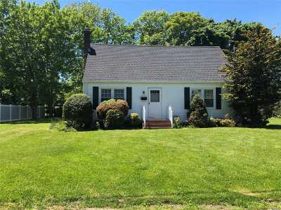 Greenport Single Family Home For Sale: 35 Sound Rd