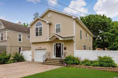 Hempstead Single Family Home For Sale: 175 Bennett Ave