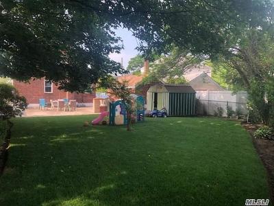 E. Rockaway Single Family Home For Sale: 20 Centre Ave
