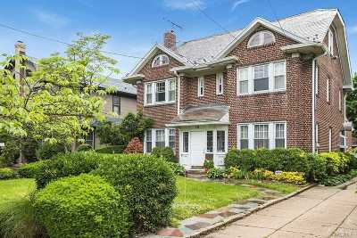 Cedarhurst Single Family Home For Sale: 73 Prospect Ave