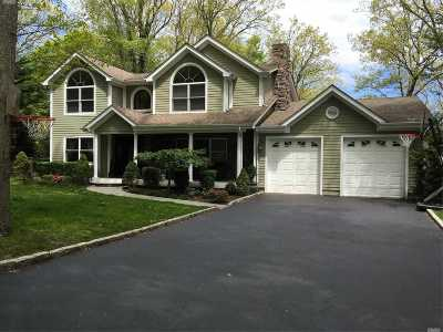 Port Jefferson Single Family Home For Sale: 203 Owasco Dr