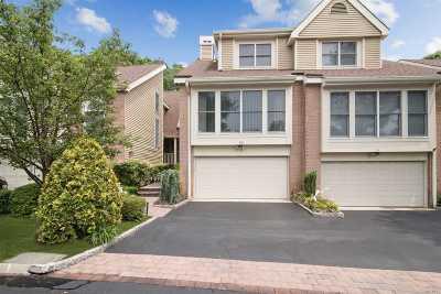 Smithtown Condo/Townhouse For Sale: 18 Willow Ridge Dr.