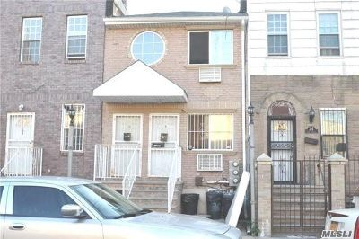 Brooklyn Multi Family Home For Sale: 26 Radde Pl
