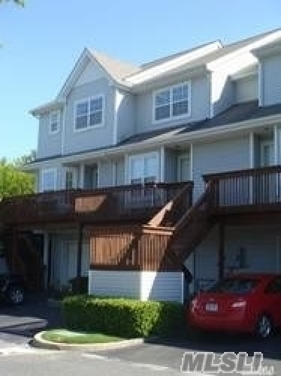 Port Jefferson Condo/Townhouse For Sale: 137 Windward Dr